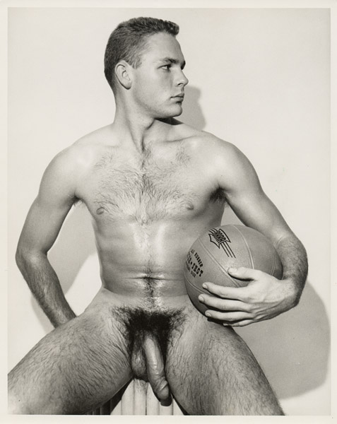 http://uncut.rainbow17.free.fr/vintage/treasure-trove/PaulSwenson%20(college%20basketball%20player)_by_Dave_Martin.jpg